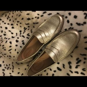 Sperry loafers gold